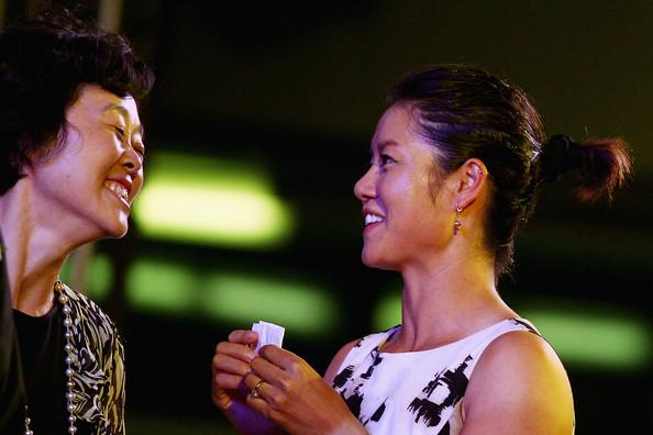 Li+Na+Sun+Jinfang+WTA+Celebrates+Li+Na+Victory+9IDD0ASrlK9l