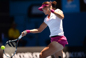 Li Na reaches Australian Open third round