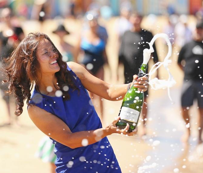 Li Na celebrates Australian Open win