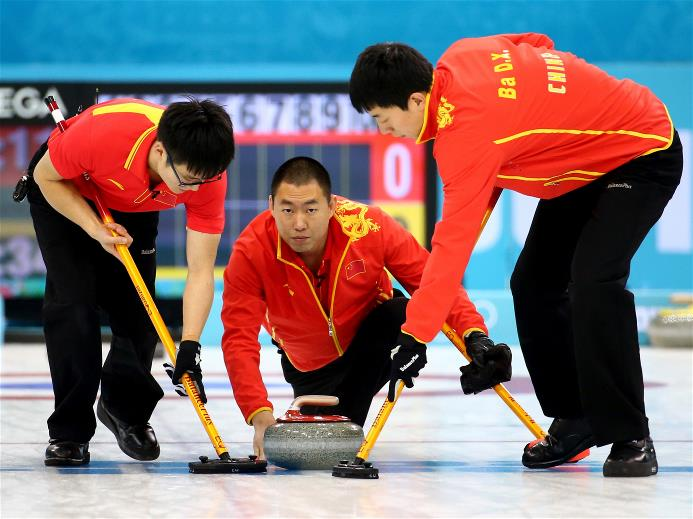 Chinese skip Liu Rui sends down another rock