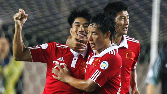 China qualifies for Asian Cup, despite another desperate performance
