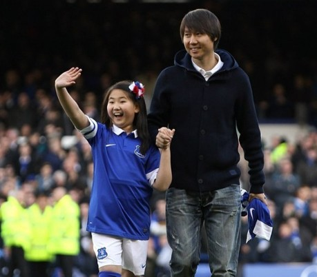 Chinese footballer Li Tie returns to Everton