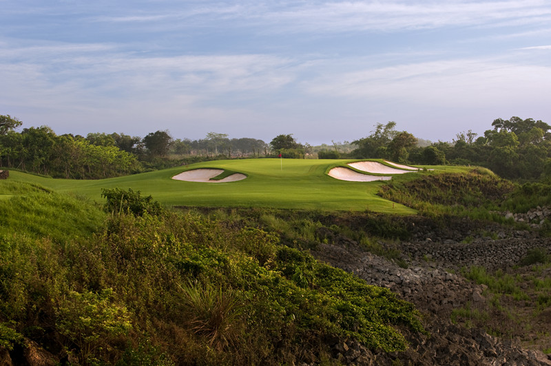 The Sandbelt Trails Course, one of 10 courses at Mission Hills, Haikou