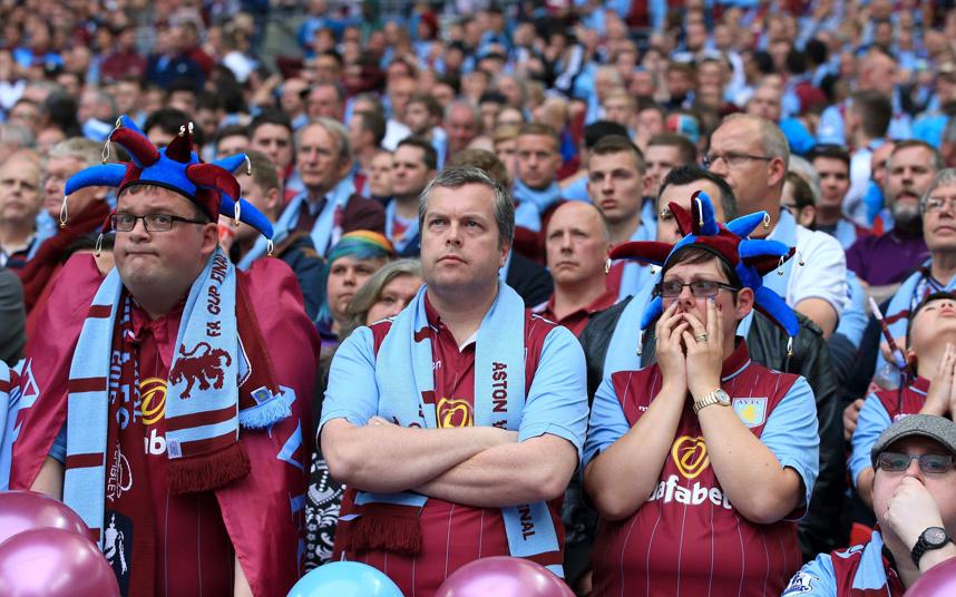 Villa fans